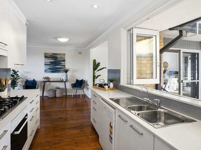 The main kitchen of 19 Merridong Rd, Elanora Heights.