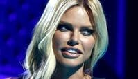 Sophie Monk presents the ARIA for Best Country Album during the 33rd Annual ARIA Music Awards at The Star in Sydney, Wednesday, November 27, 2019. (AAP Image/Brendon Thorne) NO ARCHIVING