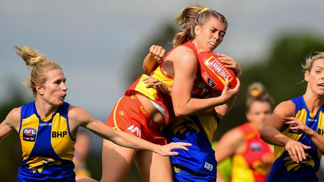 Kalinda Howarth took pack marks against the Eagles. Picture: AFL Photos/Getty Images