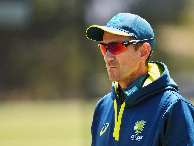 Langer isn't happy with Faf.