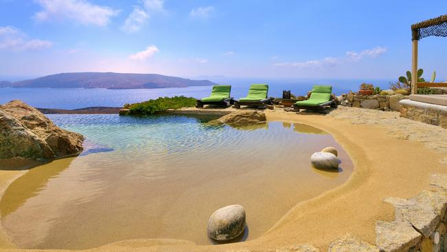 It's hard to tell where the swimming pool finishes and the ocean begins. Picture: RE/MAX Way Mykonos. <br />