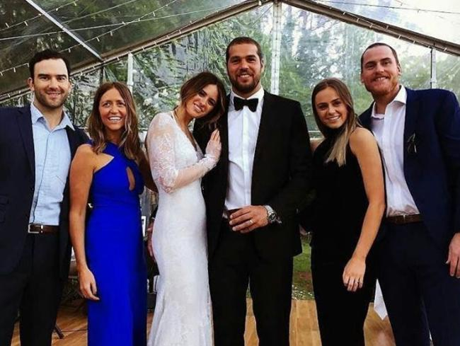 Jesinta and Buddy married surrounded by their closest family and friends.