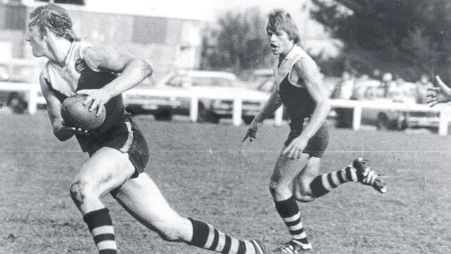 Gary Ablett Sr in full flight for Drouin in the 1980s. Picture: File