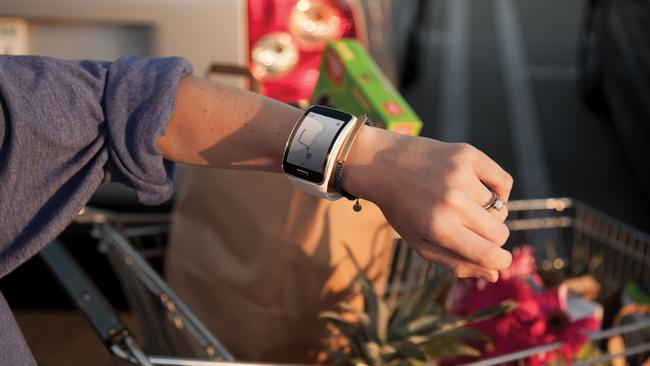 Untethered ... The Samsung Gear S smartwatch has its own SIM card for connectivity.