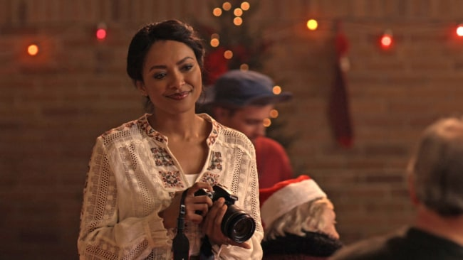 Kat Graham in 'The Holiday Calendar' Photo: Netflix