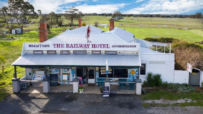 The Railway Hotel at 5280 Midland Highway, Elaine is on the market for $749,000.