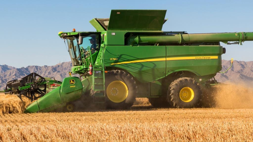 New John Deere S700 combine harvesters due this year | The