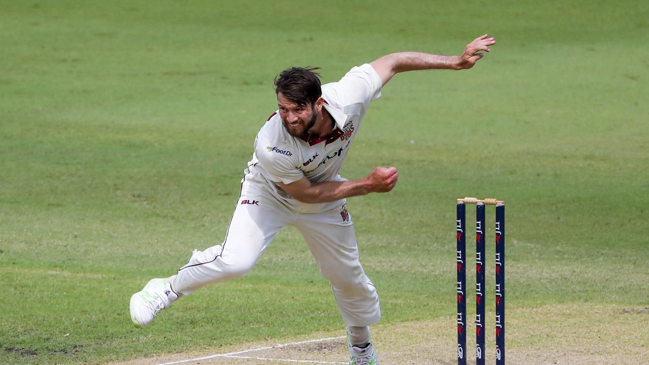 Michael Neser of the Bulls bowling during day two of the JLT cricket final between Queensland and Tasmania.