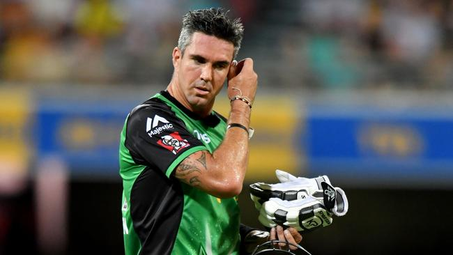 "<a capiid=""ca98a2027e629f783a8e2e24dce86ba6"" class=""capi-video"">Kevin Pietersen plays out bizarre innings</a> Kevin Pietersen made an ugly five against the Adelaide Strikers and left the Melbourne Stars in trouble."