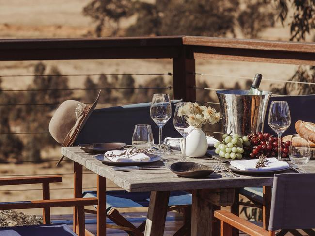 Dine under the stars at One & Only Wolgan Valley