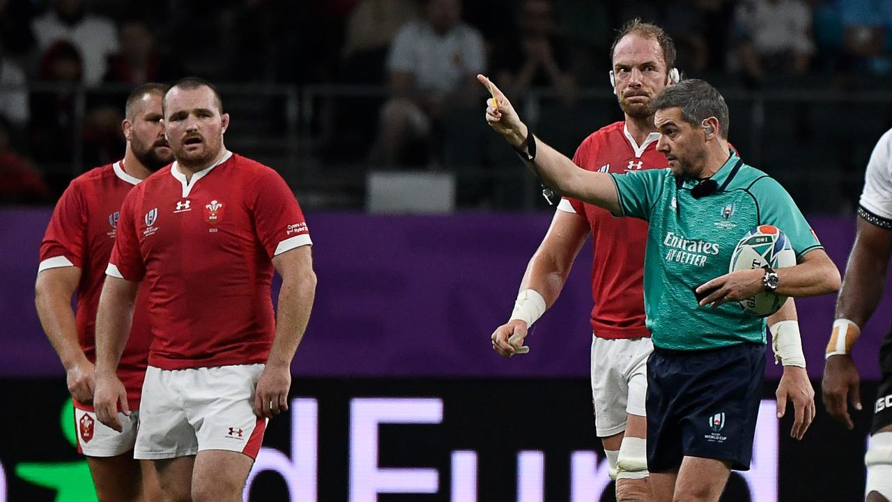 Stuart Barnes thinks Wales hooker Ken owens was lucky not to see a red card for his tip tackle against Fiji.