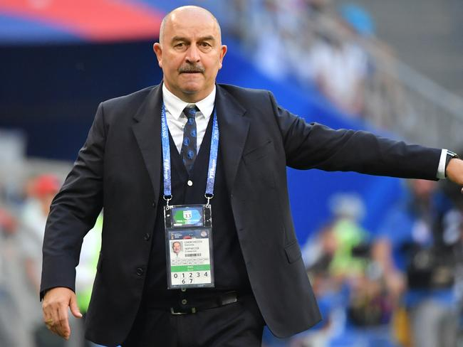 Stanislav Cherchesov with one of the more bizarre press-conference moments.