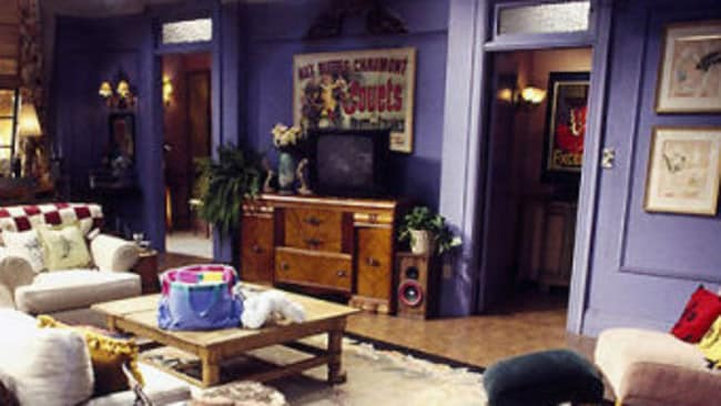 The Set Designer Of Friends Has Opened Up About Why He Chose Purple For  Monicau0027s Apartment