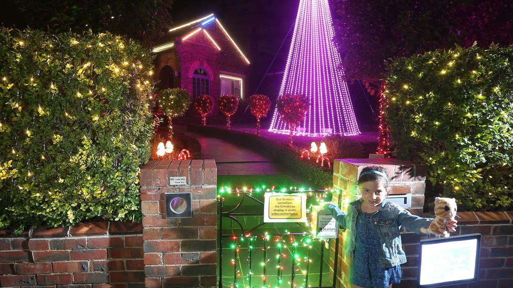 Where to find Melbourne\'s best Christmas lights 2018 | Leader