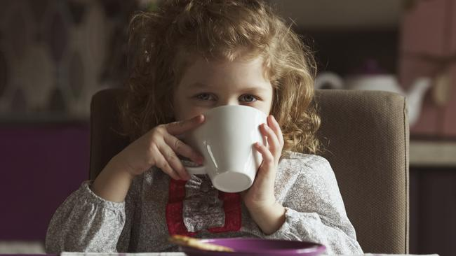 What age should kids start drinking coffee?