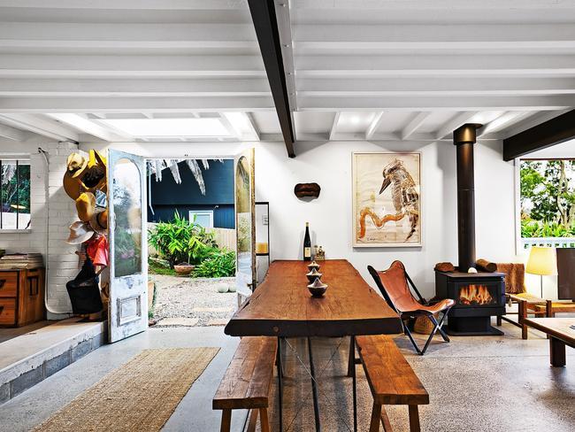 Inside 43 Bellevue Ave, Avalon Beach. An artists home.