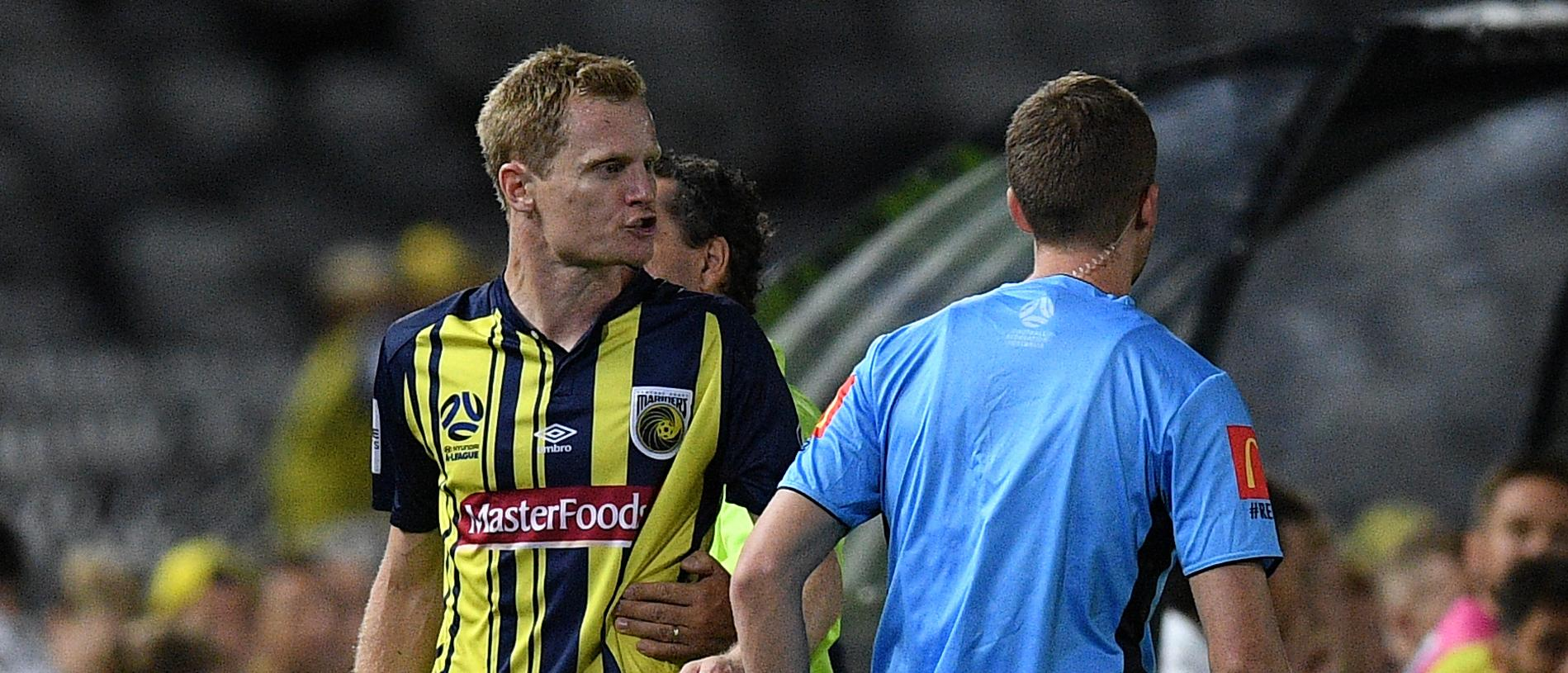 Matt Simon of the Mariners remonstrates with Fourth Offical  Stephen Laurie after being sent off during the Round 20 A-League match between the Central Coast Mariners and Brisbane Roar at Central Coast Stadium in Gosford, Friday, February 22, 2019. (AAP Image/Dan Himbrechts) NO ARCHIVING, EDITORIAL USE ONLY