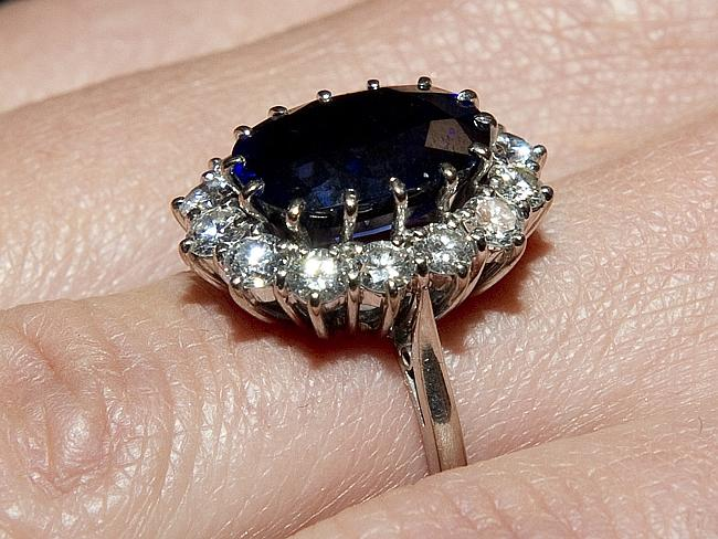 The engagement ring that once belonged to the late Princess Diana.