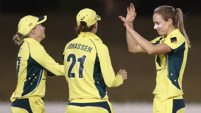 Jess Jonassen will be playing against her Australian teammates Alyssa Healy and Ellyse Perry in the WNCL Final.