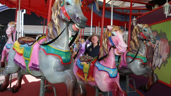 Popular Broadbeach carousel will be dismantled in effort to