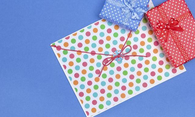 Birthday invitations: how to show perfect party invite etiquette