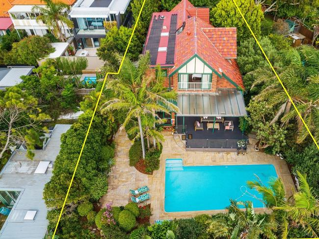 An aerial view of 23 Yanko Ave, Bronte