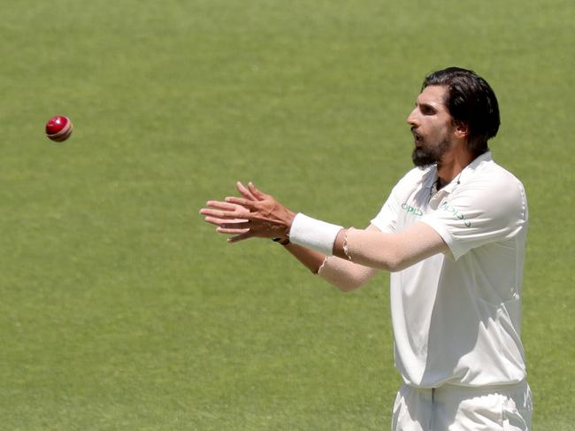 Ishant Sharma bounced back to take two wickets for the day.