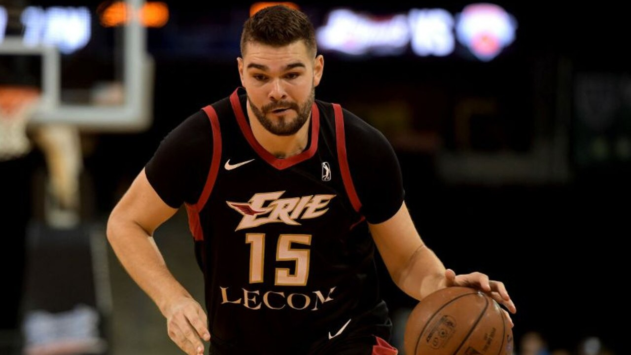 Humphries completed a season in the NBA G-League.