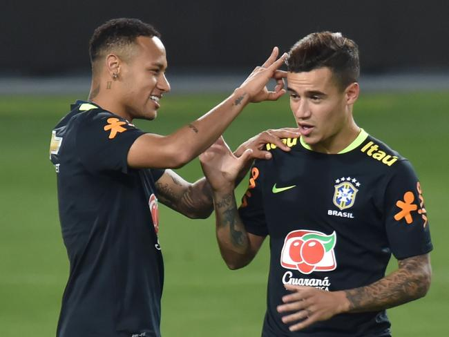 Philippe Coutinho is an option to replace Neymar.