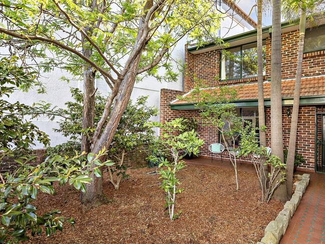 No. 539 Darling St, Rozelle, sold for $420,000 above reserve.