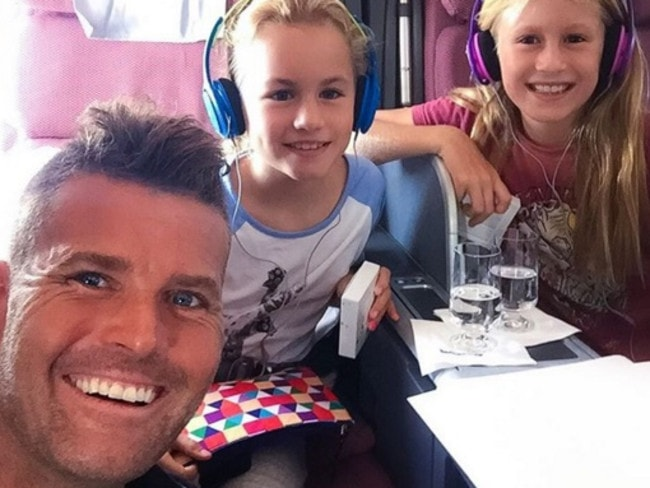 Pete Evans and his children, Chilli and Indii.