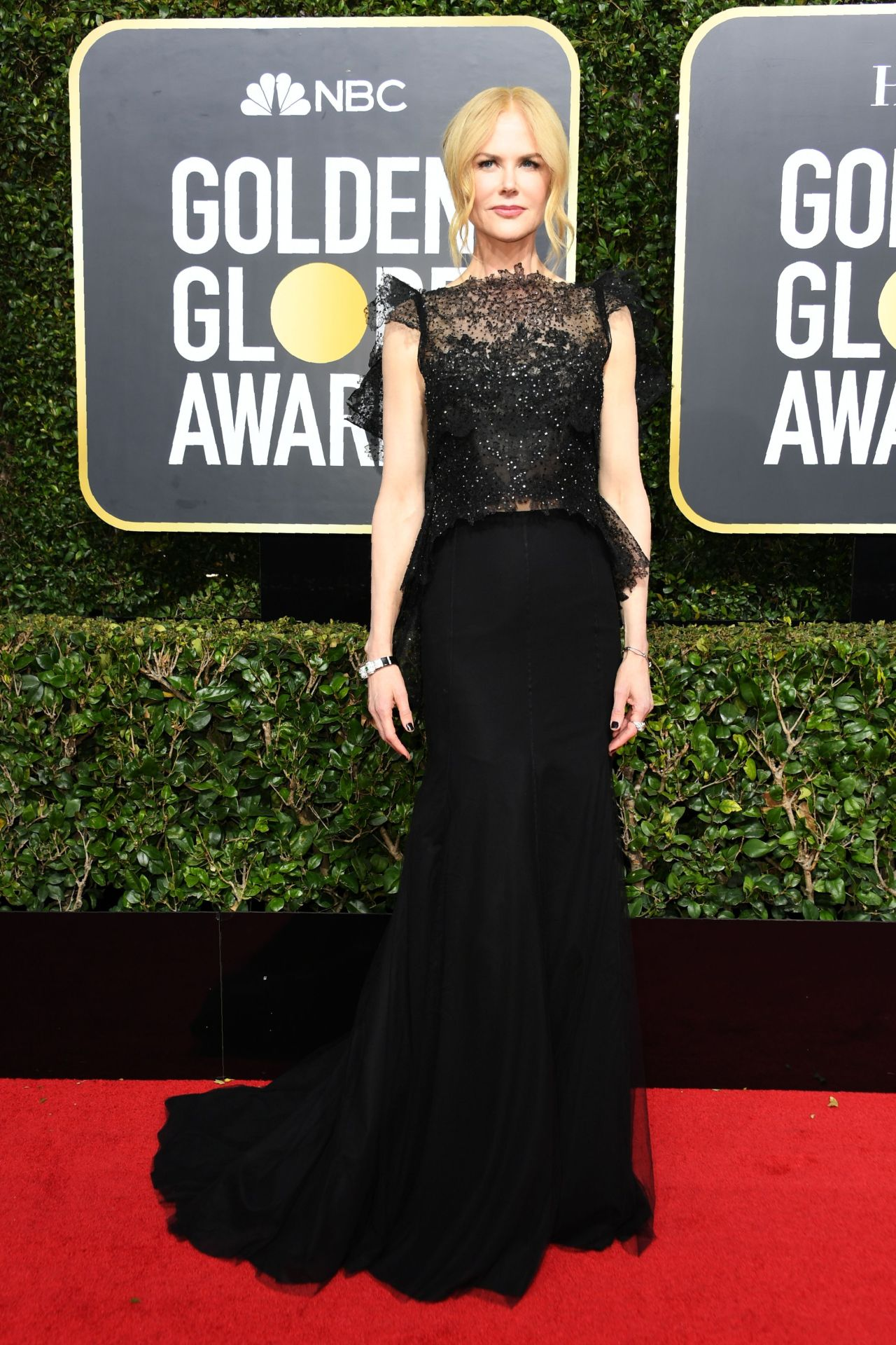 c763590421 This is the dress code for the 2019 Golden Globes. Nicole Kidman ...