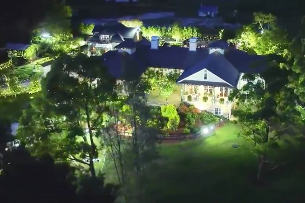 Everything you need to know about the 2018 Bachelor mansion