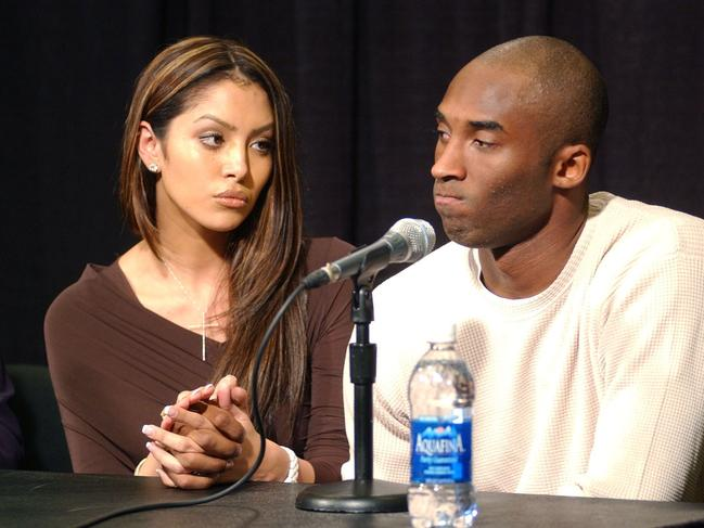 Vanessa stands by Kobe during his press conference amid sexual assault accusations in 2003. (Photo by Kirby Lee/WireImage)