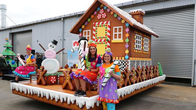 2018 Credit Union Christmas Pageant new float - The Gingerbread House. . Picture Tait Schmaal