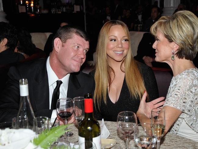 Dream lover ... A blissful Packer and Carey catch up with Julie Bishop at the G'Day USA event in Los Angeles. Picture: John Sciulli/Getty Images for G'day USA Gala