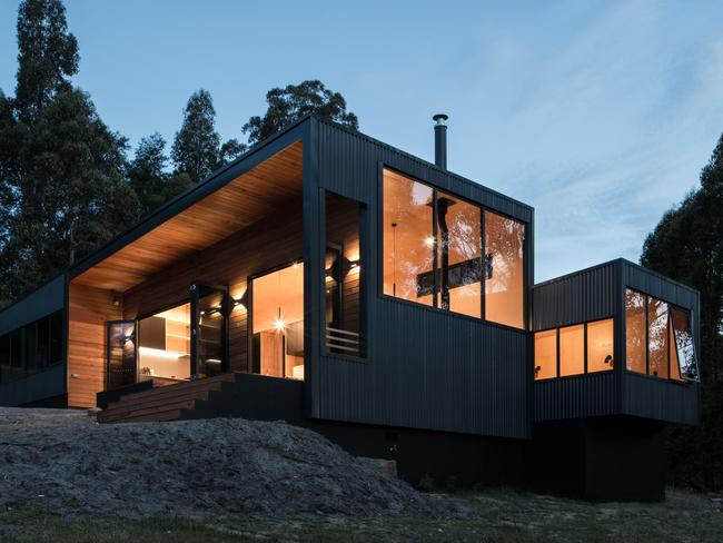 Sherwood Hill House by Maguire and Devine Architects