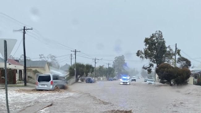 Flash floods rain dump hits outback NSW town – NEWS.com.au