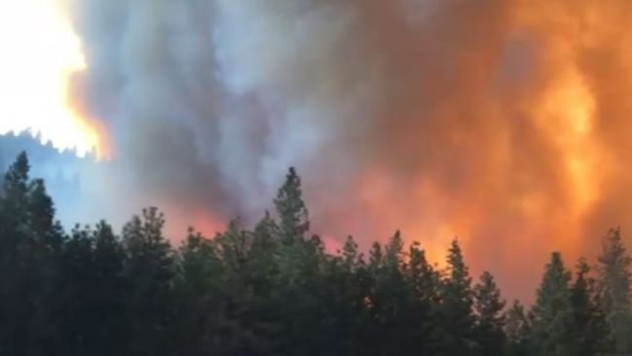 Delta Fire Bears Down on California's Interstate 5