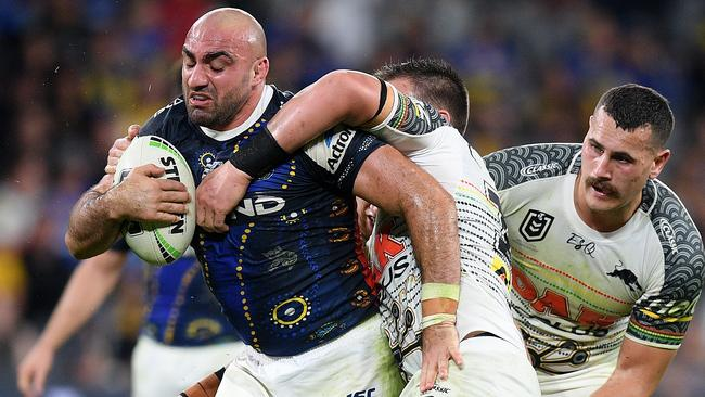 Eels club captain Tim Mannah is reportedly set to join the Wests Tigers.