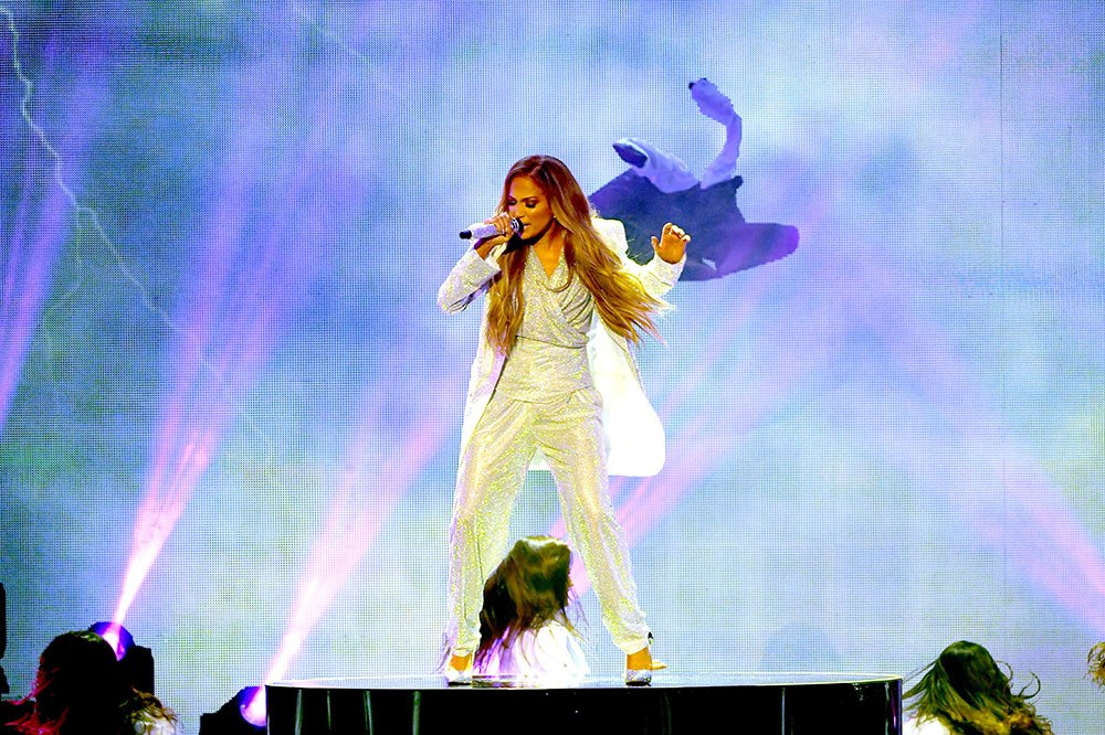 Jennifer Lopez earned $137,623 per minute to sing at a shopping centre