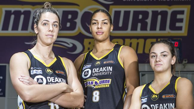 wnba liz cambage to return to wnba with dallas wings the courier mail