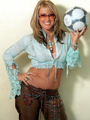 Anastacia showed off her Crohn's disease-related stomach scar from the start of her career.