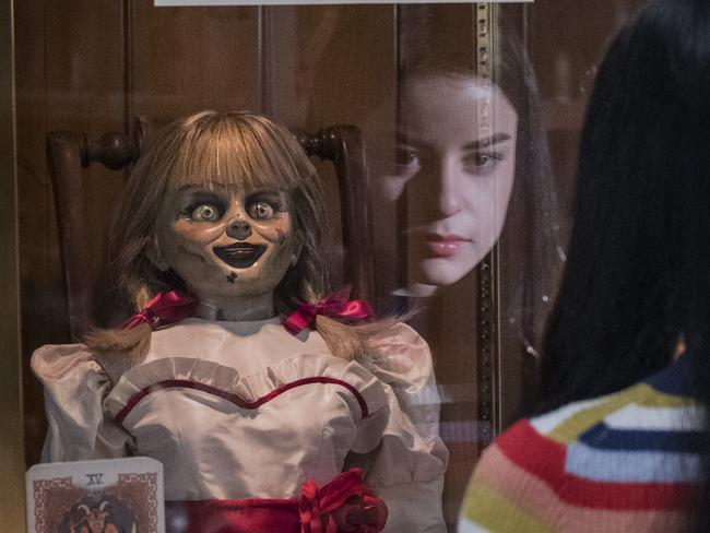 A scene from Annabelle Comes Home.