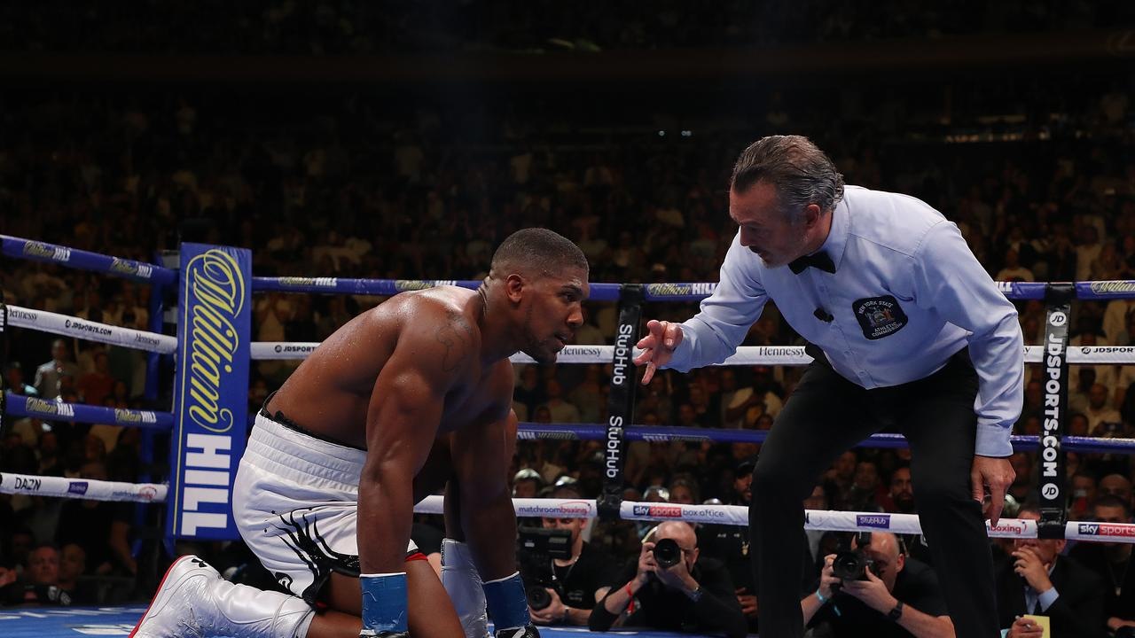 Anthony Joshua defends trainer Rob McCracken after defeat