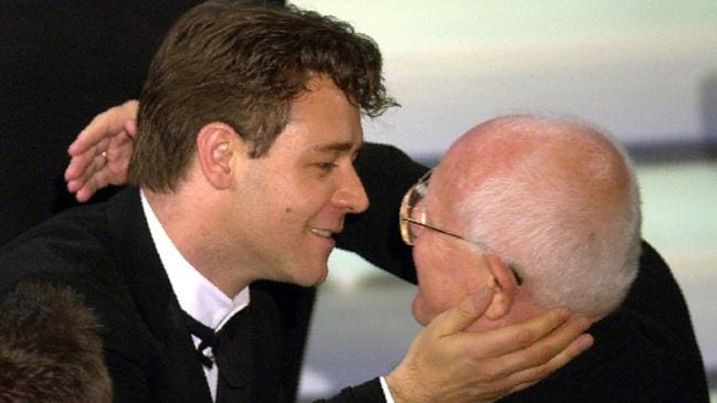 Russell Crowe kisses producer Branko Lustig after the film Gladiator wins the Oscar for best picture. Picture: AP Picture/Kevork/Djansezian