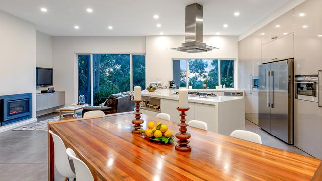 55 Birksgate Drive, Urrbrae. Supplied by Ouwens Casserly Real Estate.