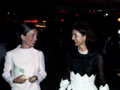 Jackie and her sister Lee Radziwill. Picture: WireImage