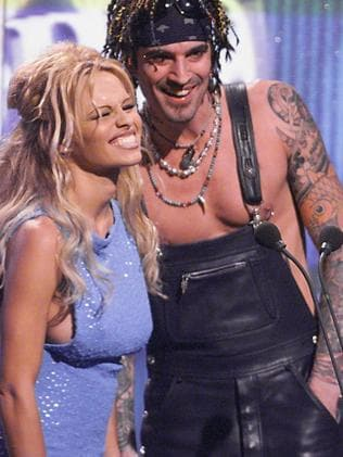 Pam and Tommy at an awards show in 1999.