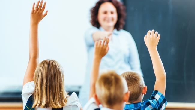Australian parents and teachers are pushing for the standardisation of a school starting age across the country.